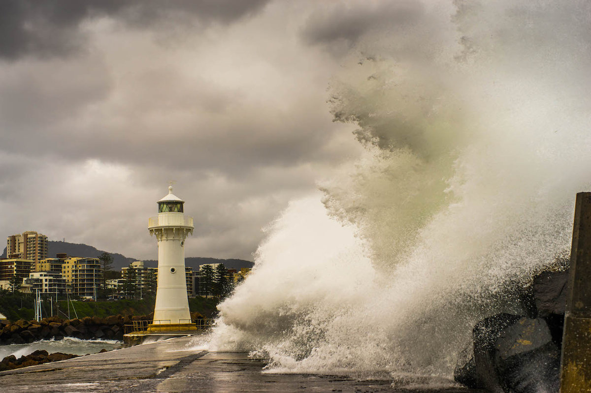 The Massive Break - Wollongong Harbour