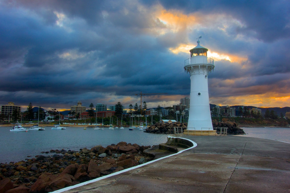 Wollongong Lighthouse - a Colourful Sunset - Belmore Basin / Wollongong Harbour