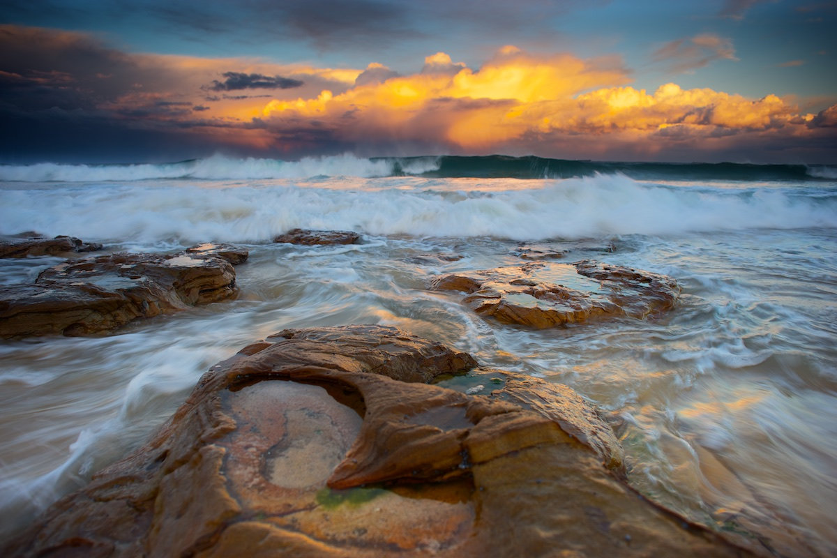 Bulli Reef Moody Afternoon - A Golden Sunset with Big Swell - Sandon Point Beach, Bulli