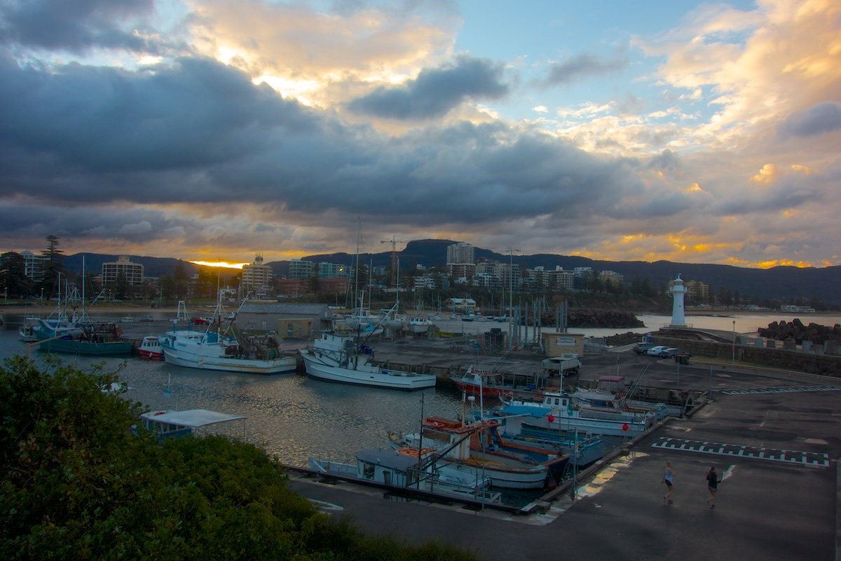 Belmore Basin Boats looking towards Mount Kiera - Belmore Basin / Wollongong Harbour
